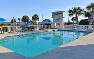 Cabana Shores Outdoor Pool