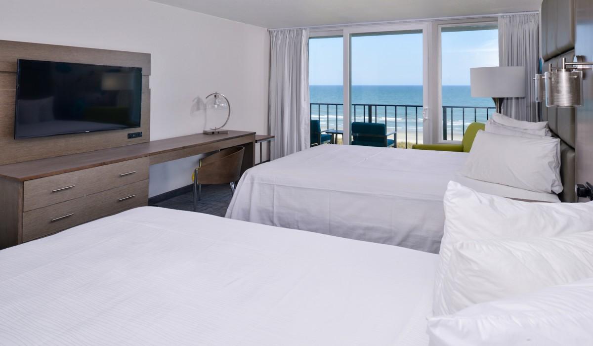 Oceanfront, 2 Queen Beds