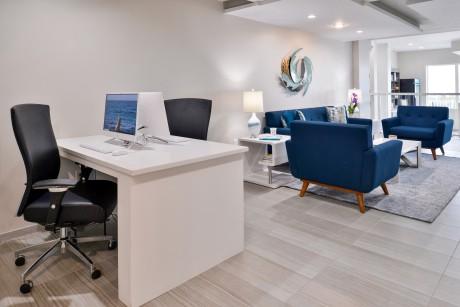Cabana Shores Hotel - Business Center